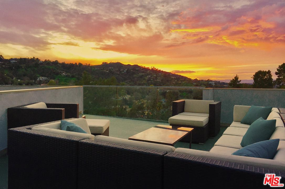 3274 North KNOLL Drive, Hollywood Hills, California