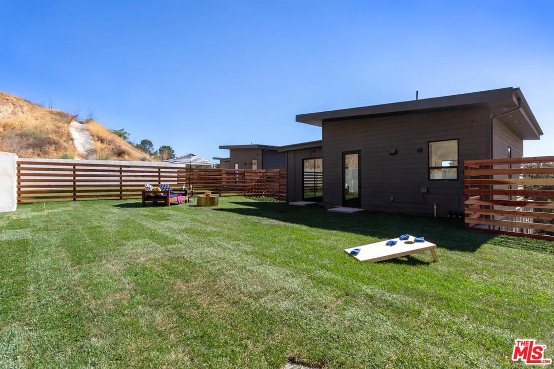 1414 Eaton Terrace Los Angeles, CA 90065