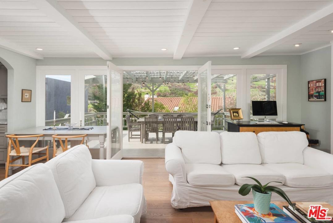2915 SEARIDGE Street, Malibu in Los Angeles County, CA 90265 Home for Sale