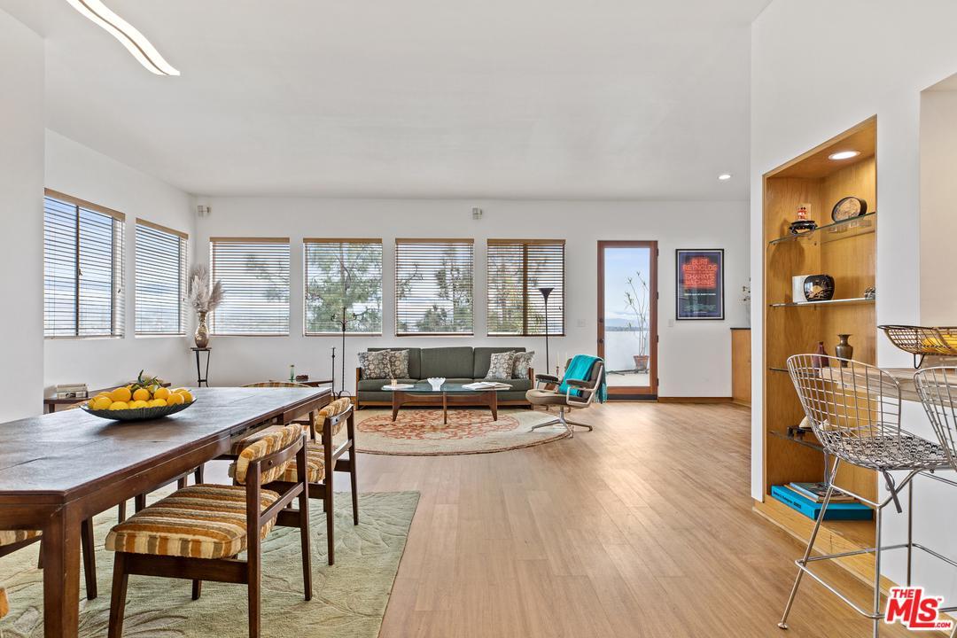 624 Cross Avenue Los Angeles, CA 90065