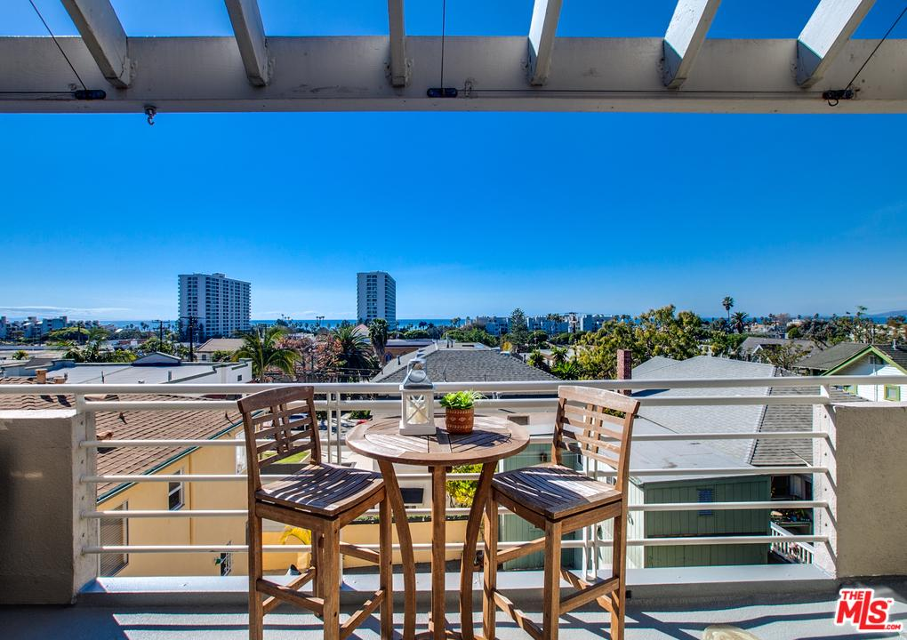 One of Santa Monica 2 Bedroom Homes for Sale at 311 HILL Street