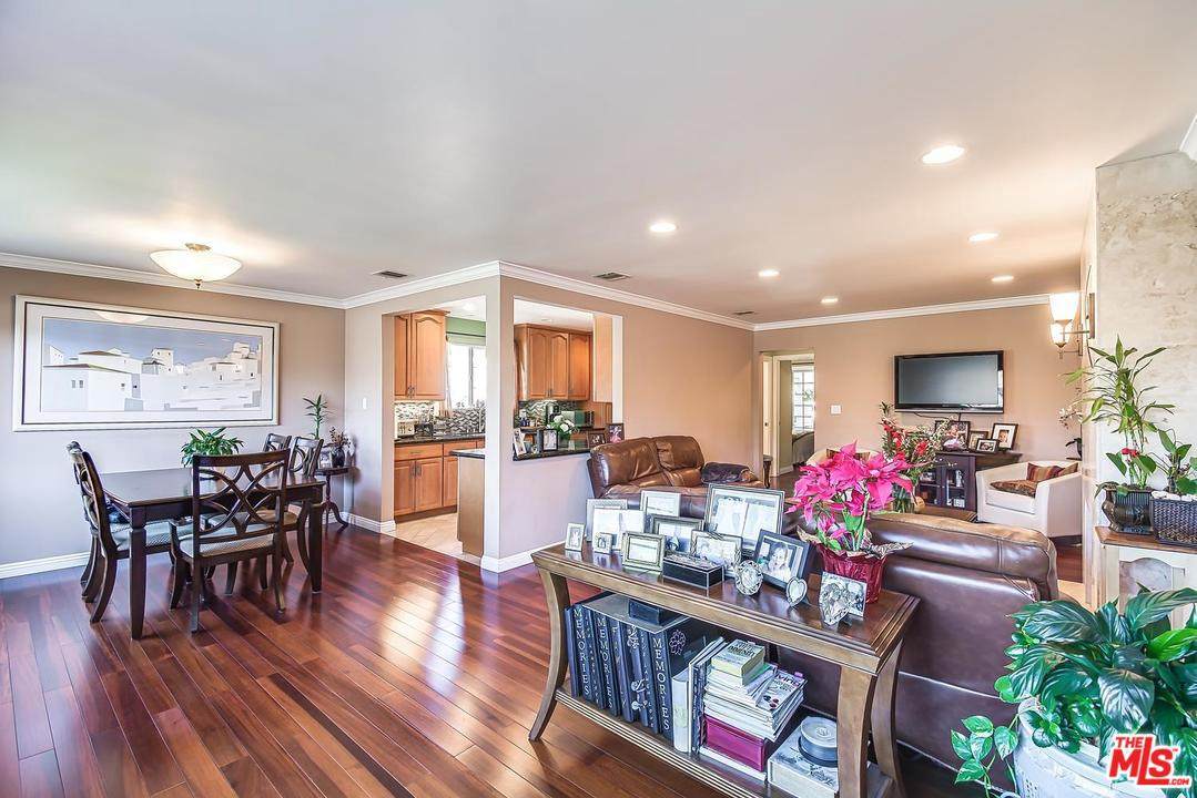 One of Marina Del Rey 3 Bedroom Homes for Sale at 3028 THATCHER Avenue