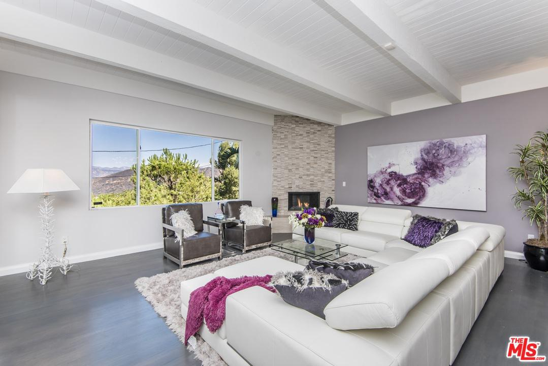 7346 Pacific View Drive Los Angeles, CA 90068