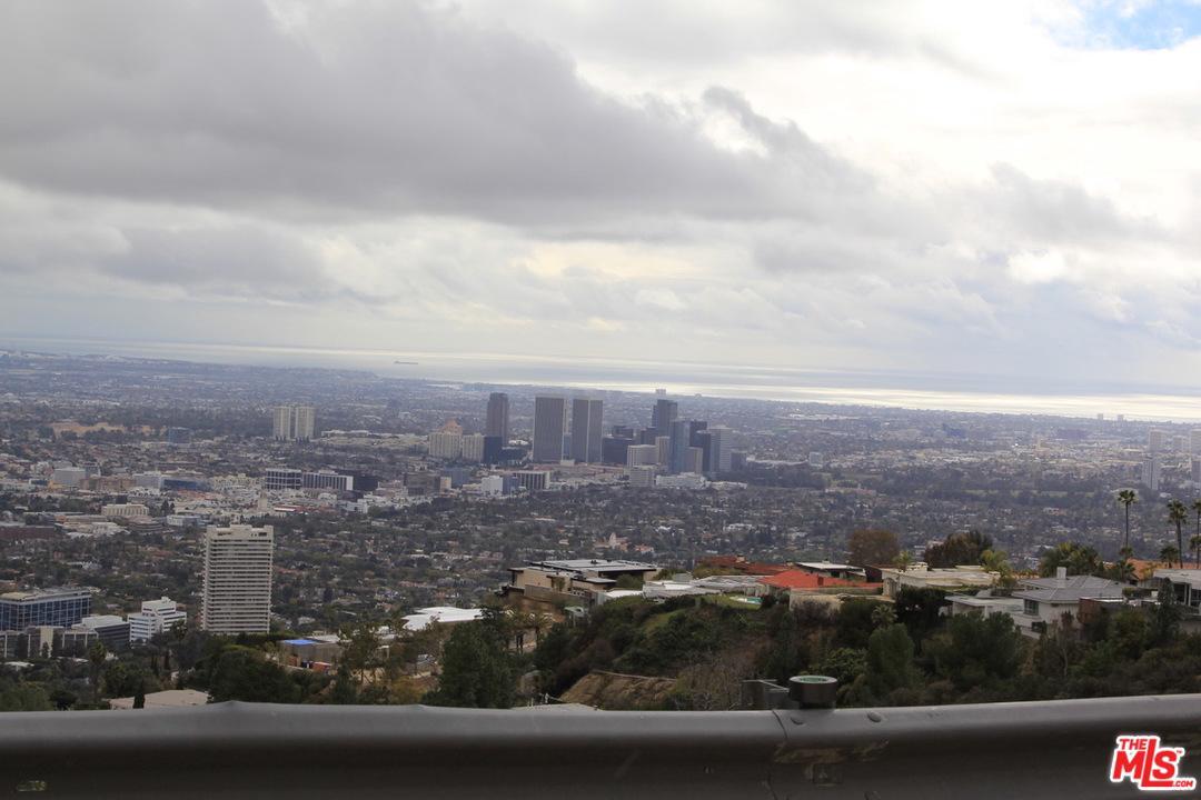 2381 Sunset Plaza Drive Los Angeles, CA 90069