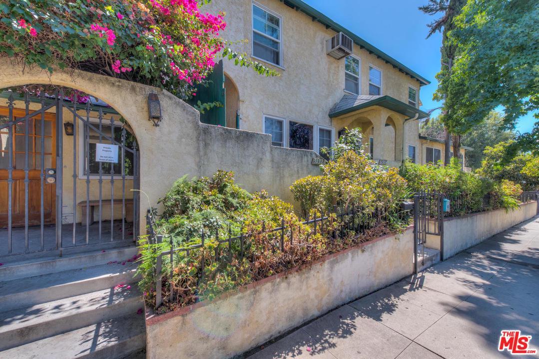 5130 Colfax Avenue Valley Village, CA 91601