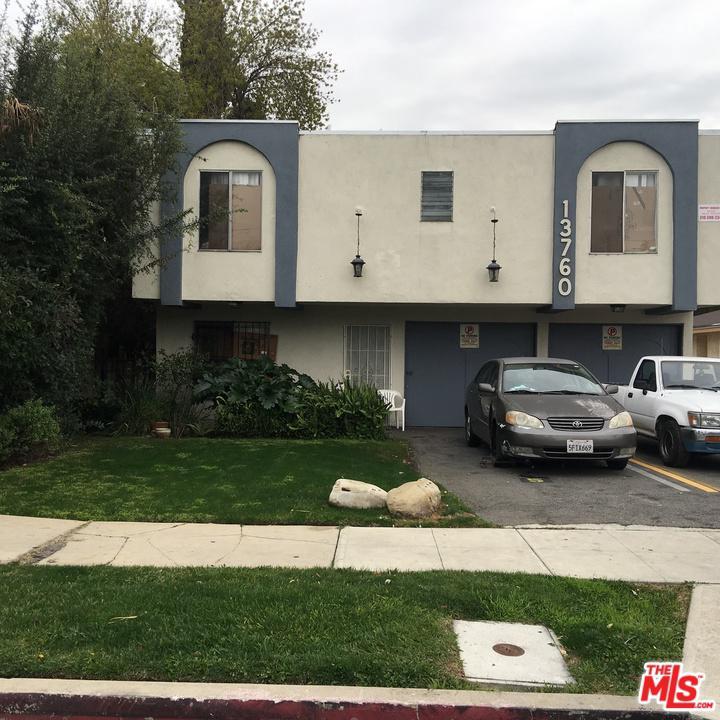 13760 Bessemer Street Van Nuys, CA 91401