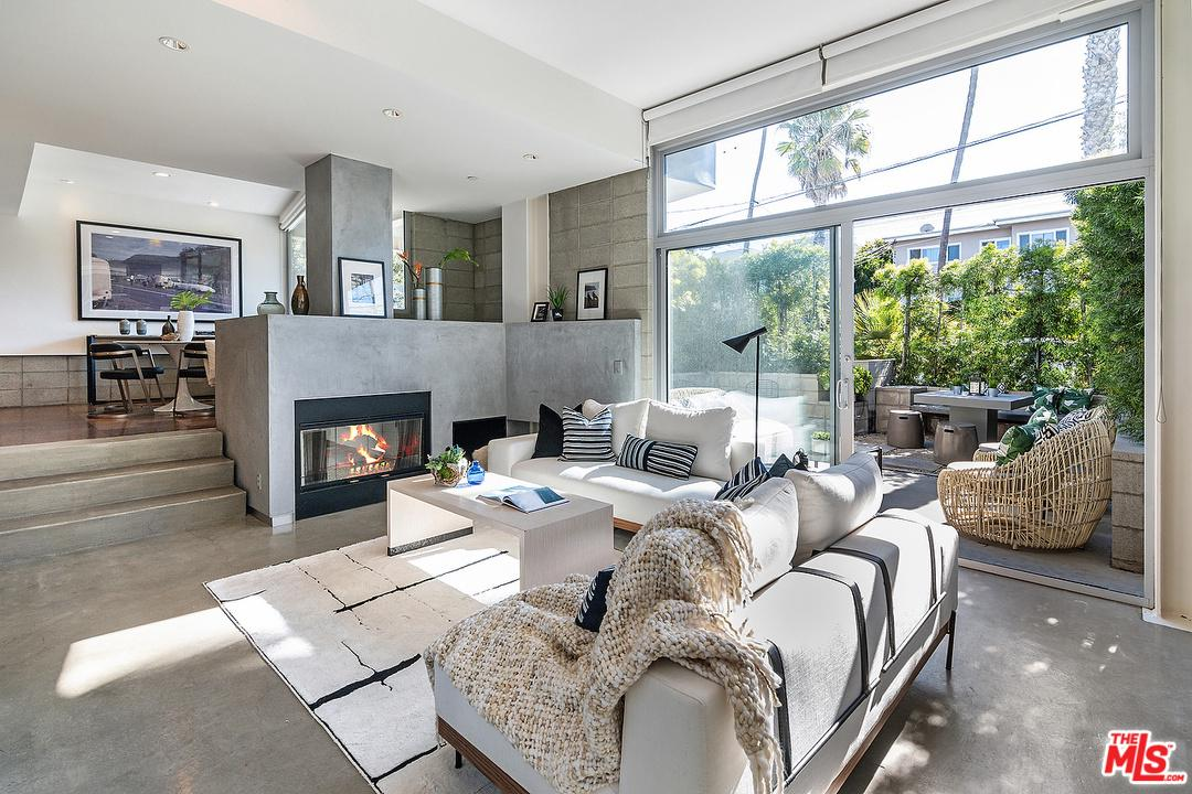 One of Condo Santa Monica Homes for Sale at 639 PACIFIC Street