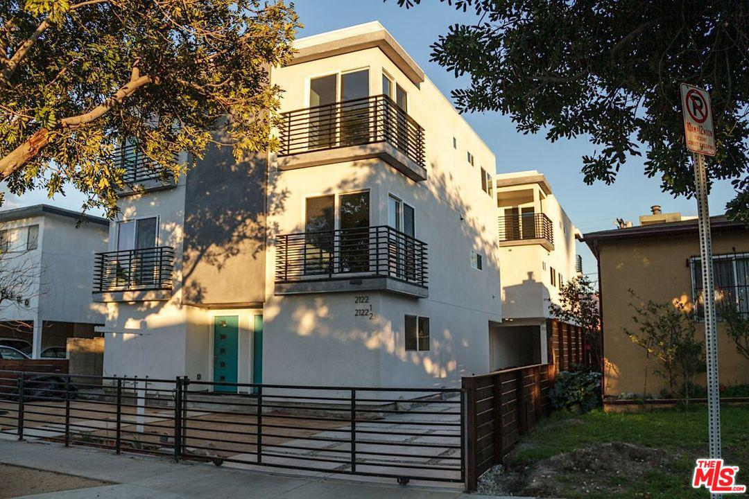 2124 Carmona Avenue Los Angeles, CA 90016