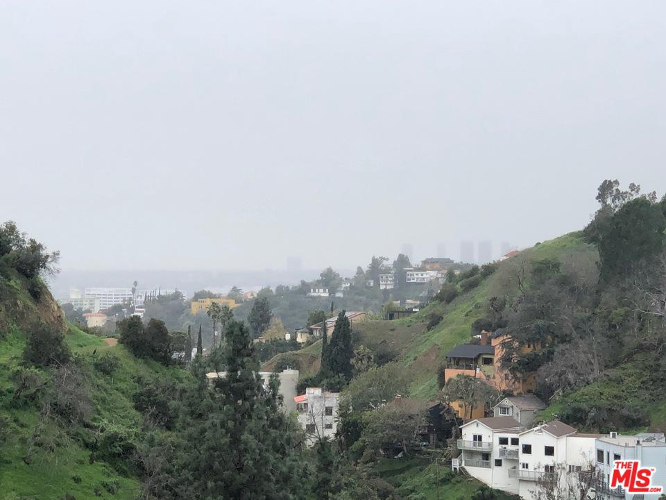 6402 West WEIDLAKE Drive, Hollywood Hills, California