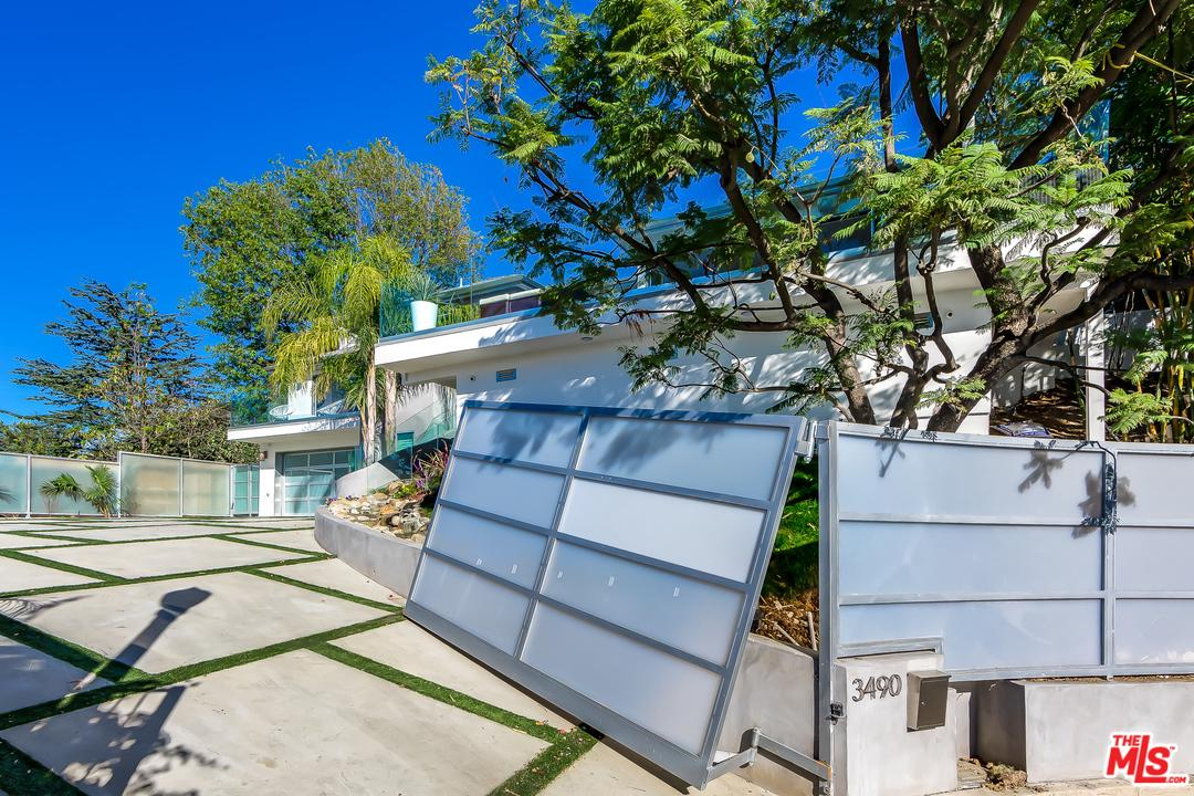 One of Hollywood Hills 3 Bedroom Homes for Sale at 3490 WONDER VIEW Place