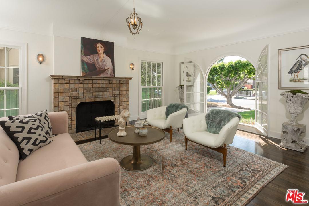 890 South Bronson Avenue Los Angeles, CA 90005