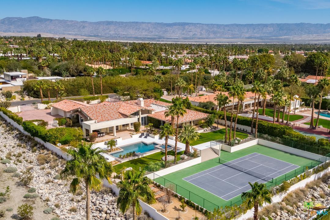 555 West Vista Chino Palm Springs, CA 92262