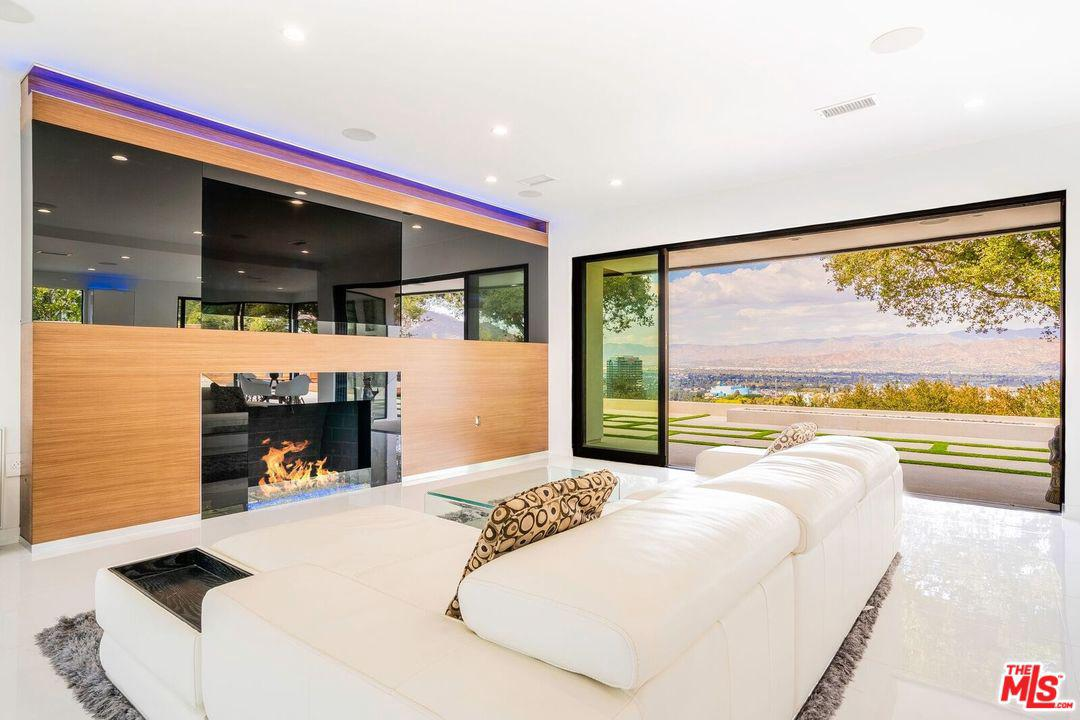 3321 BONNIE HILL Drive, Hollywood Hills in Los Angeles County, CA 90068 Home for Sale