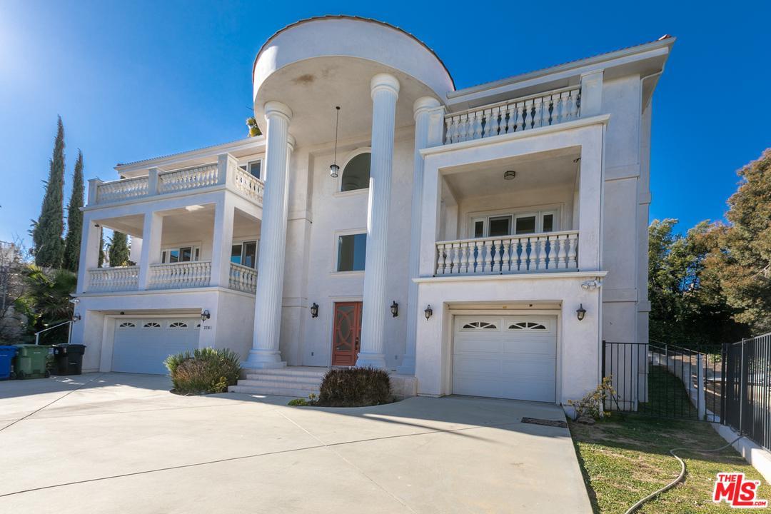 3701 Homeland Drive View Park, CA 90008