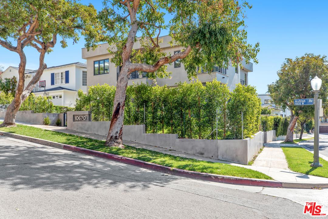 10670 Ashton Avenue Los Angeles, CA 90024