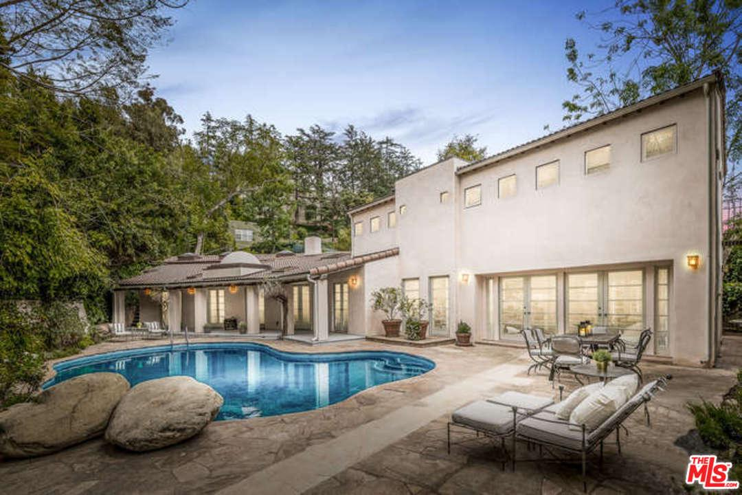 1820 Old Orchard Road Los Angeles, CA 90049