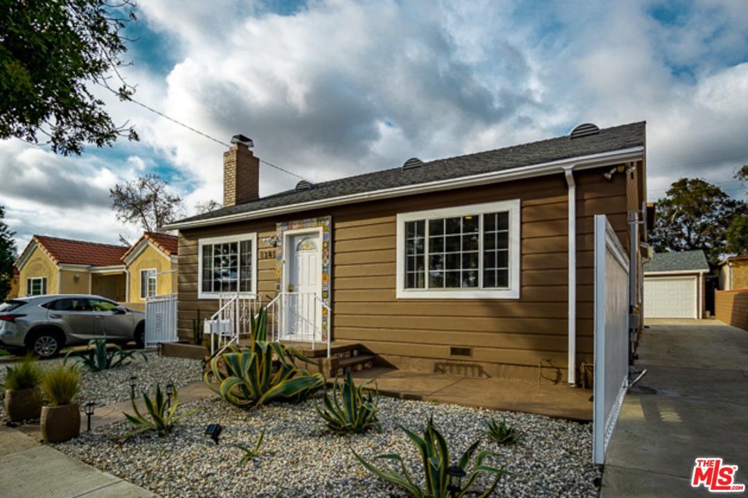 1345 CARLTON Drive, Glendale, California
