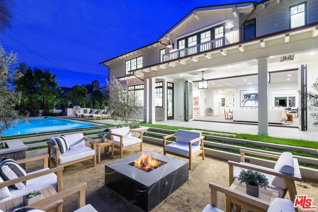 121 ESPARTA Way, Santa Monica, California 6 Bedroom as one of Homes & Land Real Estate