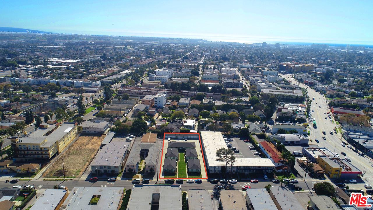 4339 Berryman Avenue Los Angeles, CA 90066