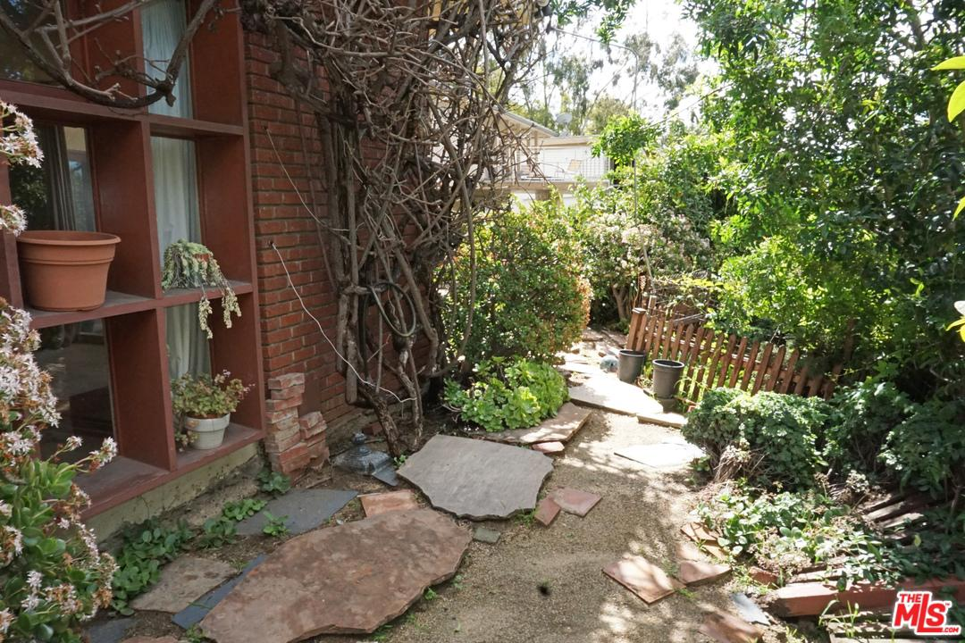 8848 HOLLYWOOD - photo 21