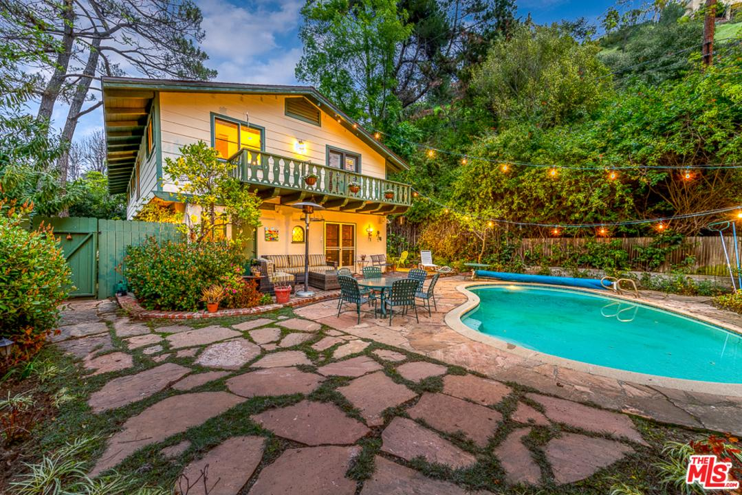 1526 ROSCOMARE Road, Bel Air in Los Angeles County, CA 90077 Home for Sale
