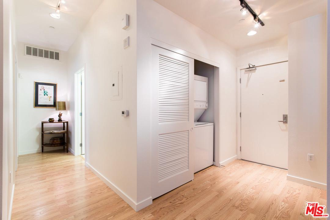 630 West 6TH Street - photo 12