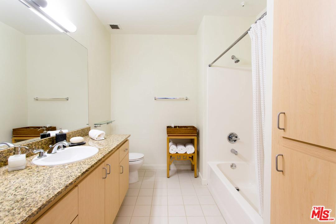 630 West 6TH Street - photo 6