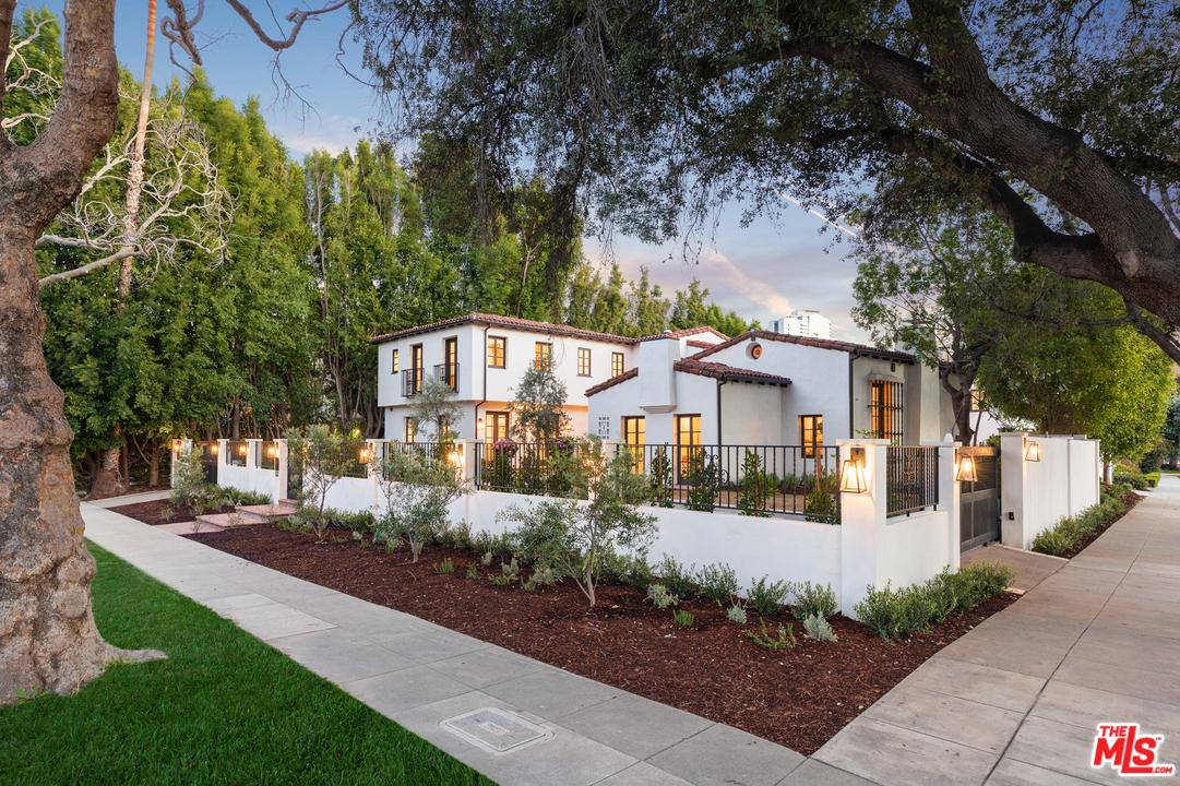 623 WALDEN Drive, Beverly Hills, California