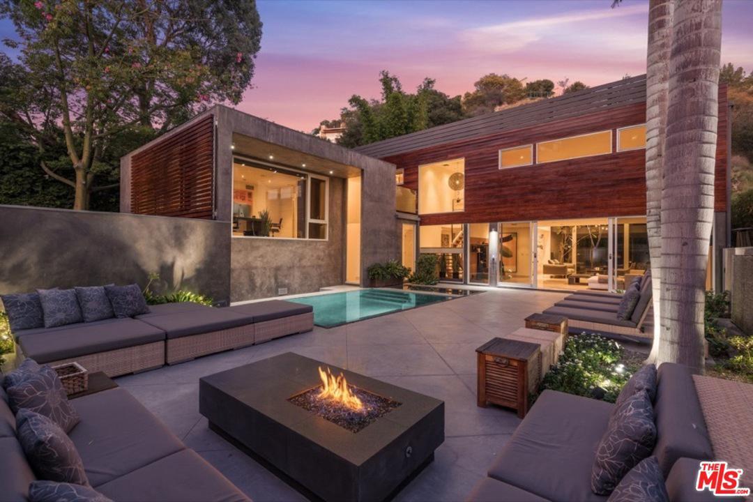 1514 Rising Glen Road Los Angeles, CA 90069