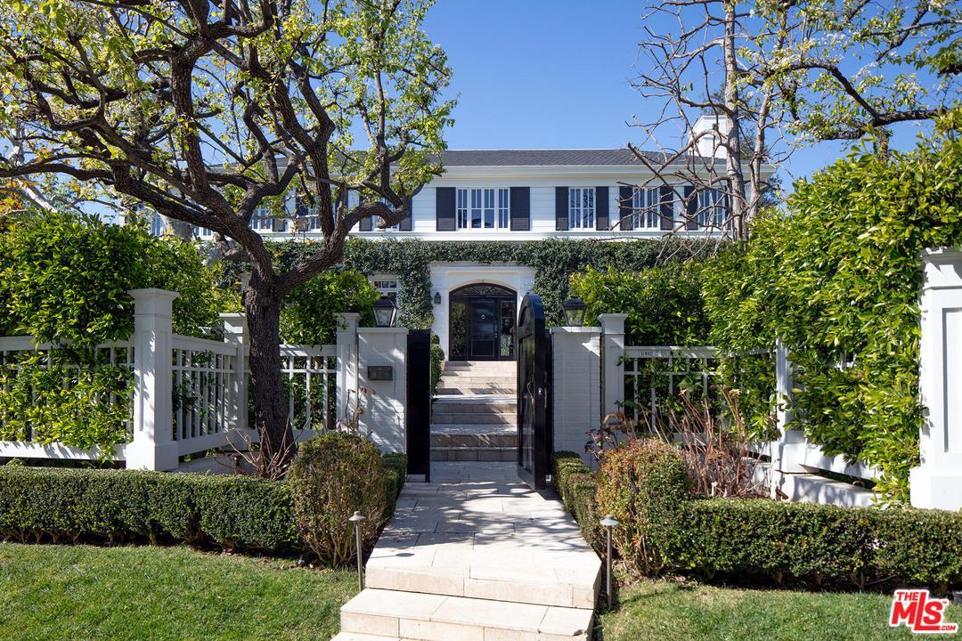 435 North Cliffwood Avenue Los Angeles, CA 90049