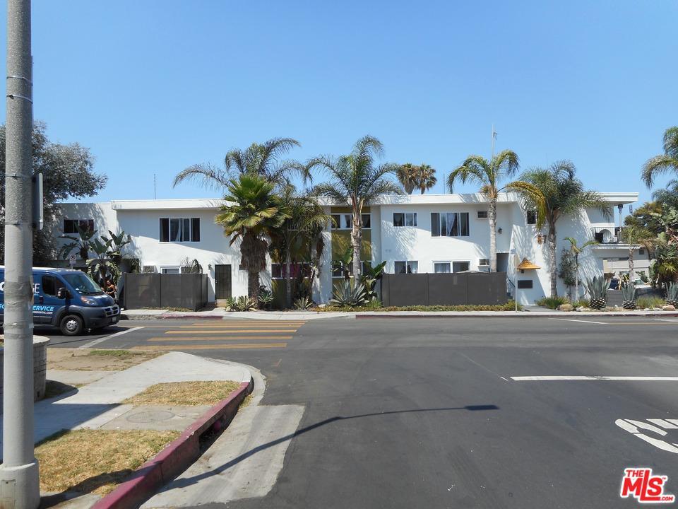 8777 Cadillac Avenue Los Angeles, CA 90034