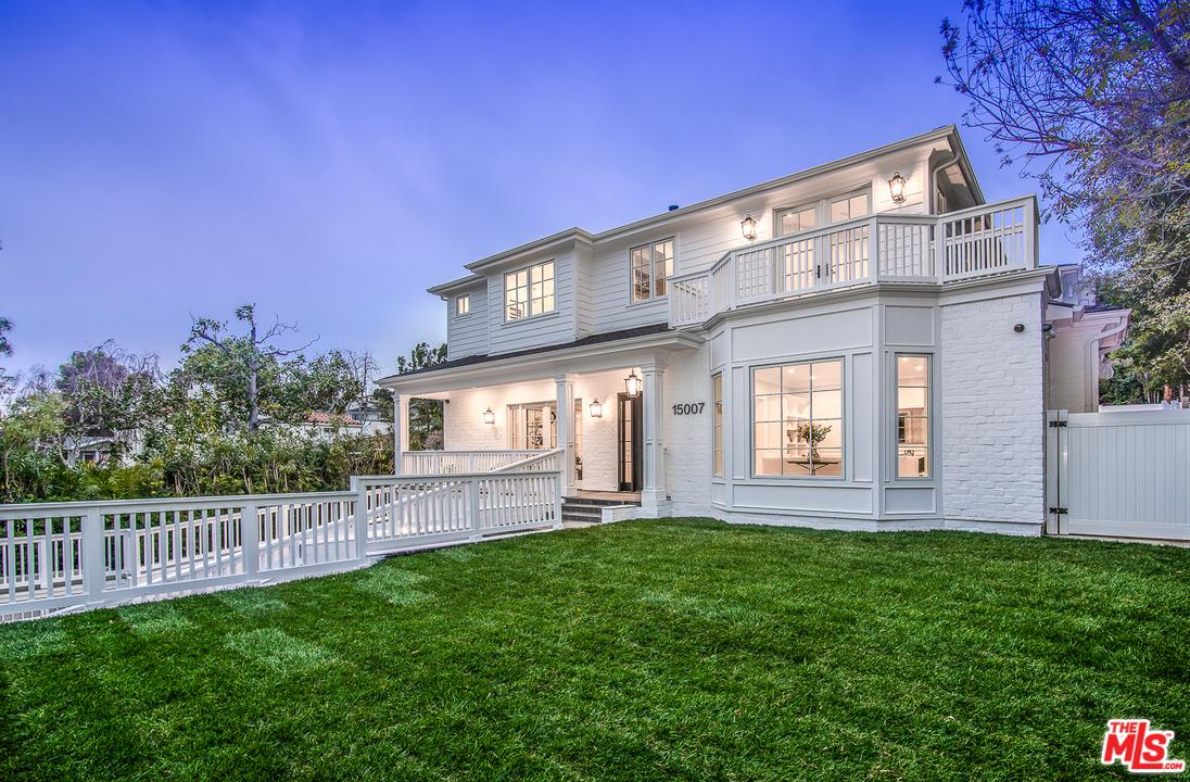 15007 Bestor Boulevard Pacific Palisades, CA 90272