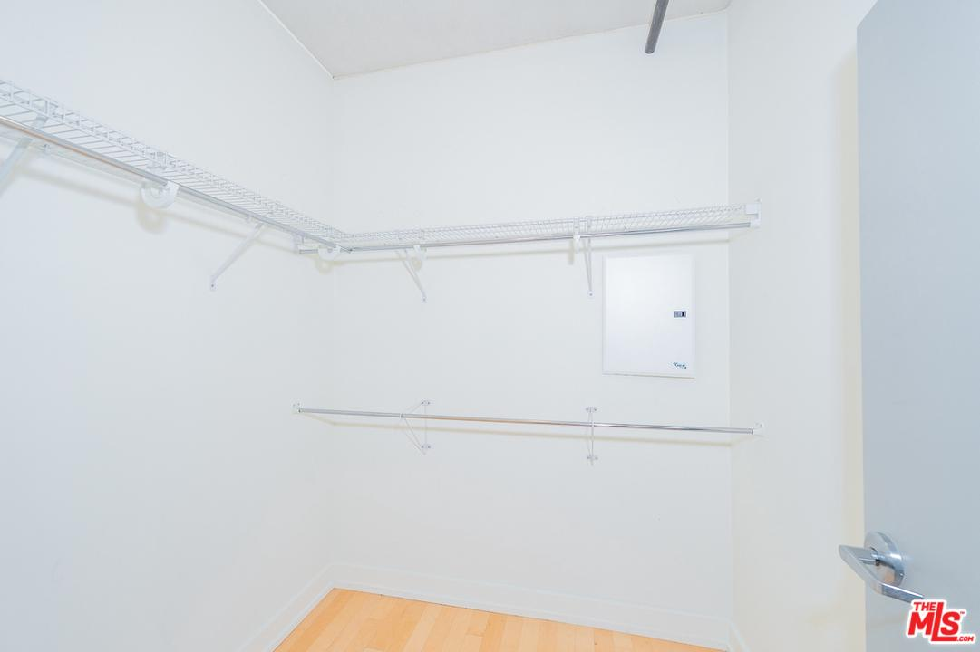 645 West 9TH Street - photo 9