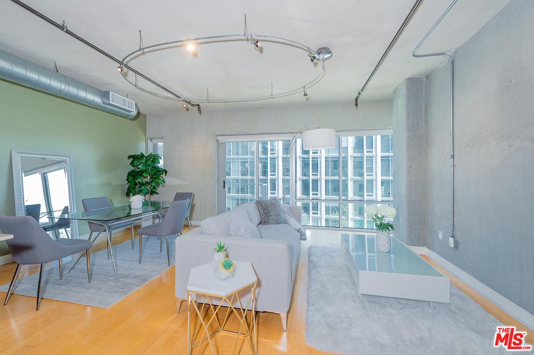 645 West 9TH Street - photo 1