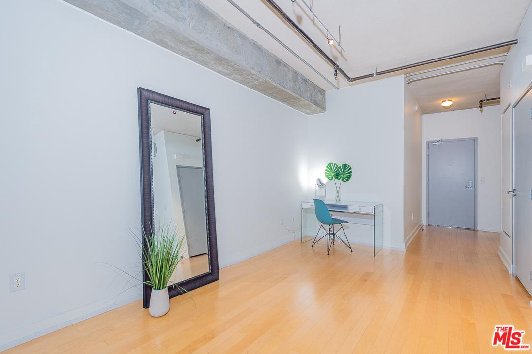 645 West 9TH Street - photo 7