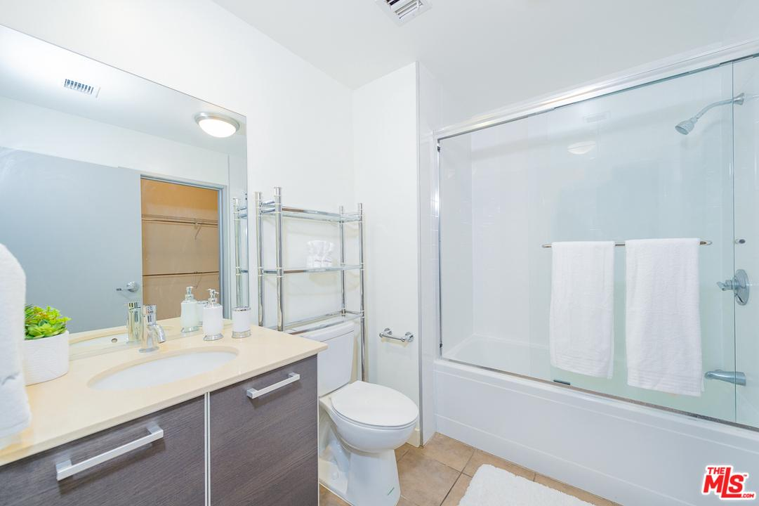 645 West 9TH Street - photo 8