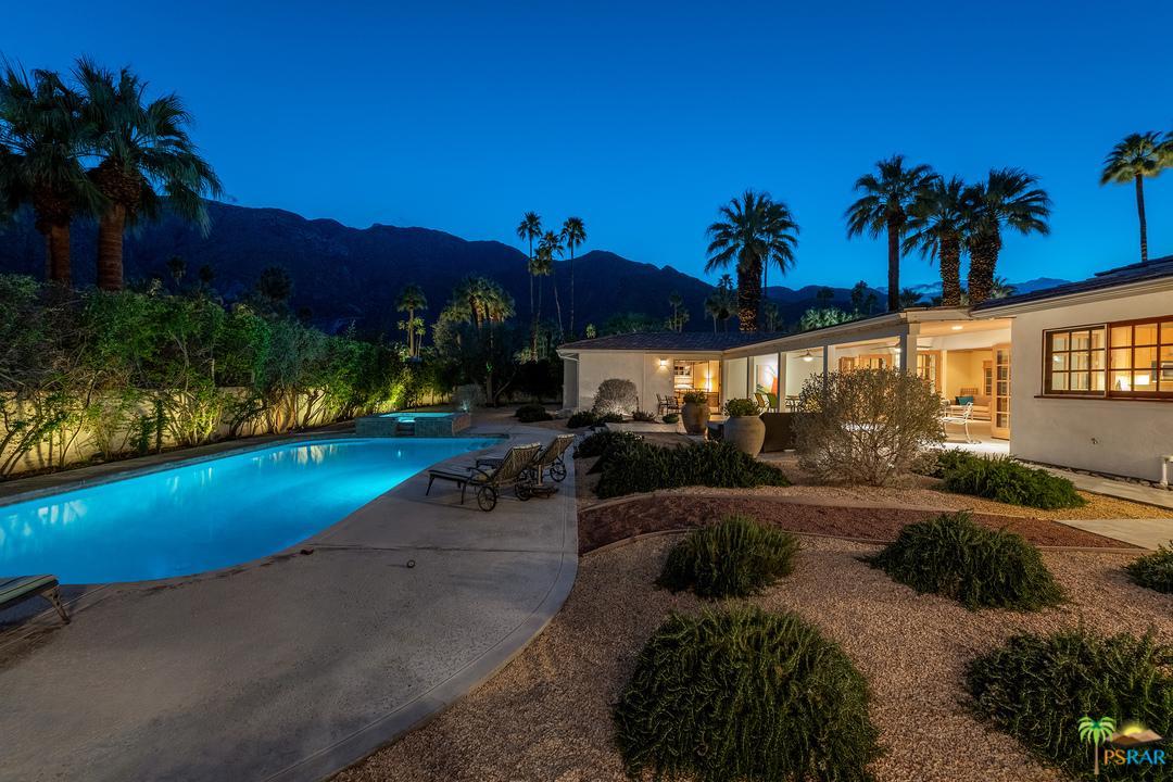 377 Camino Del Sur Palm Springs, CA 92262