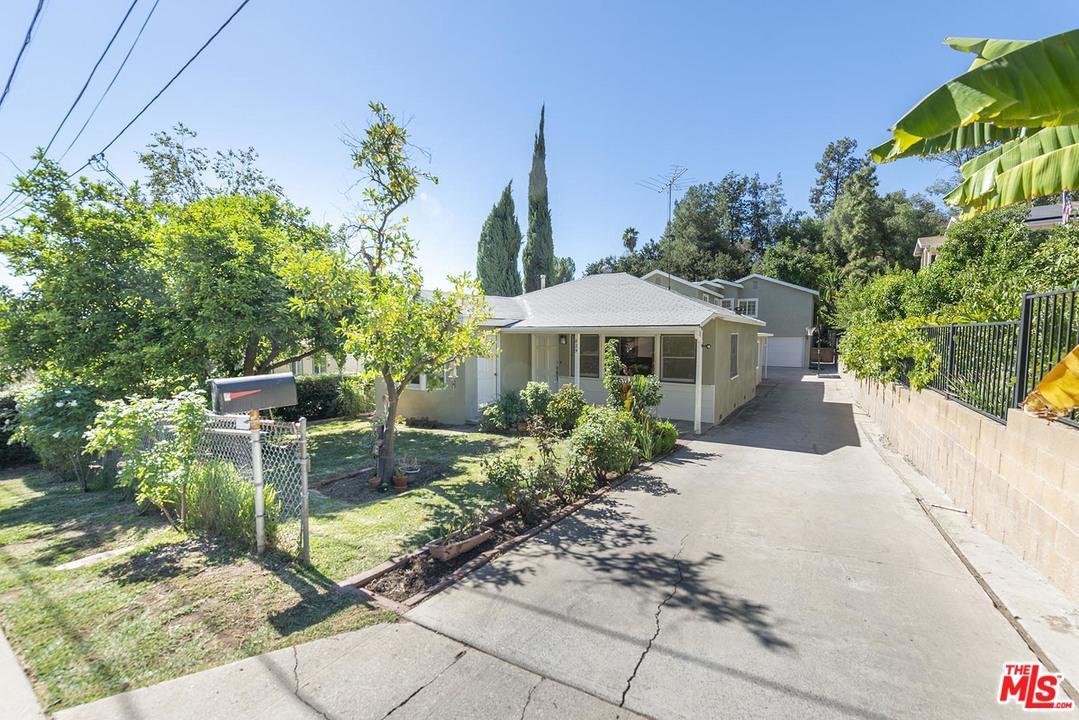 829 Cooper Avenue Los Angeles, CA 90042