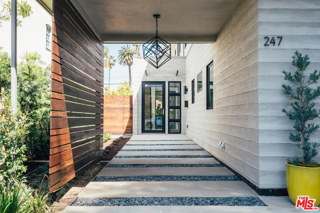 247 20th Street Santa Monica, CA 90402