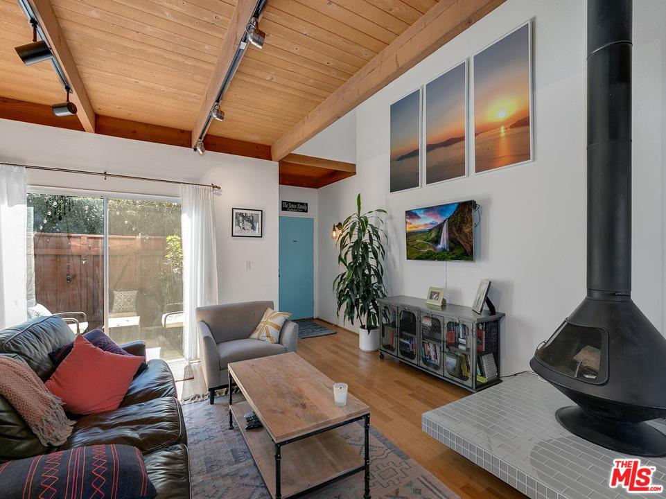 One of Townhome Santa Monica Homes for Sale at 1552 HARVARD Street