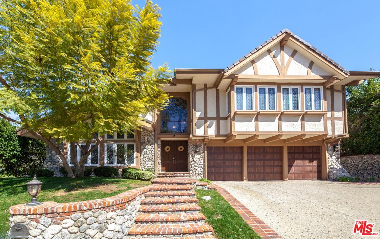 6146 County Oak Road Woodland Hills, CA 91367