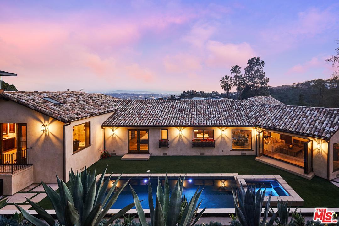 7935 Oceanus Drive Los Angeles, CA 90046