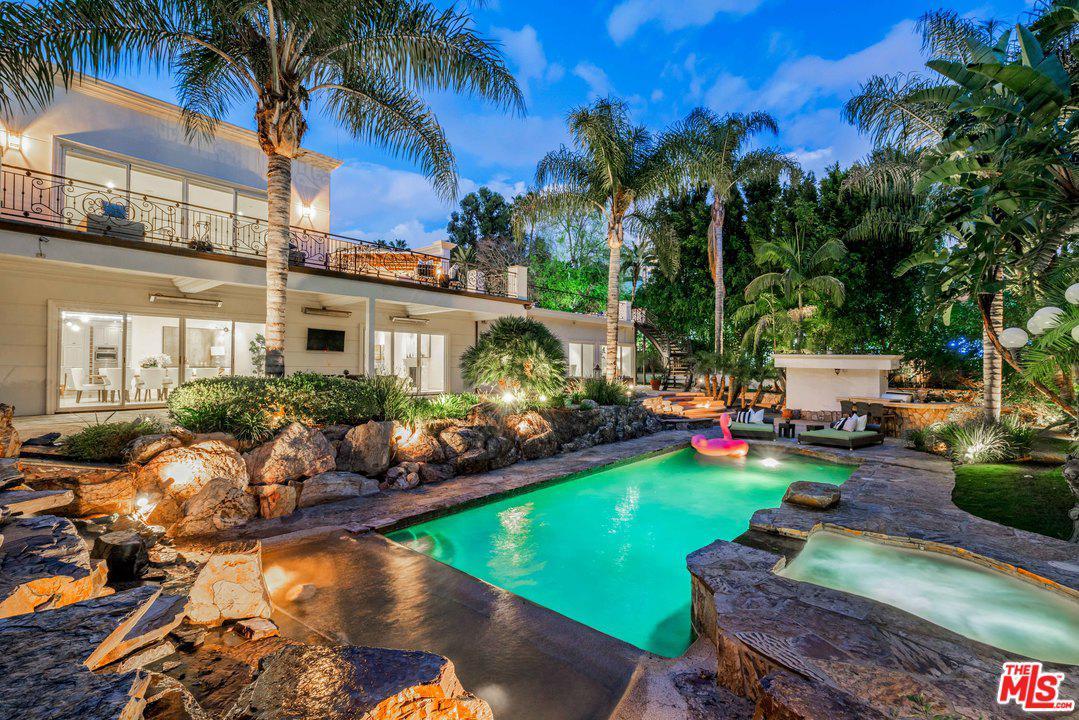 9390 MONTE LEON Lane, Beverly Hills, California