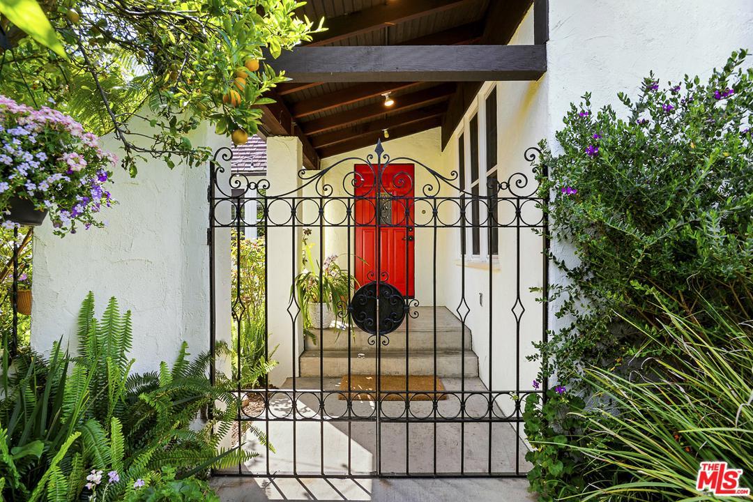 2615 Corinth Avenue Los Angeles, CA 90064
