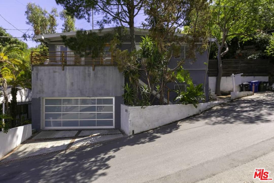 2755 Belden Drive Los Angeles, CA 90068