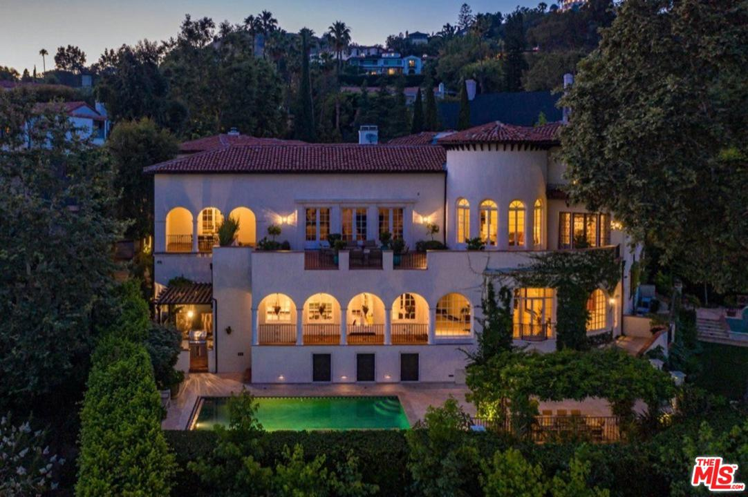 2267 Chislehurst Drive Los Angeles, CA 90027