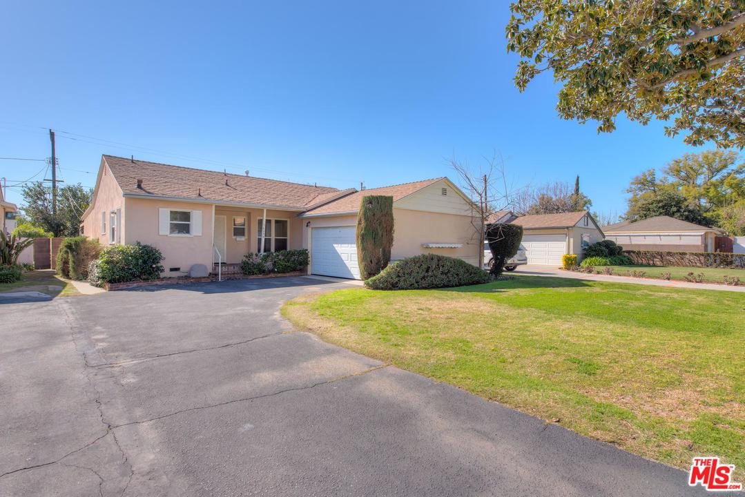 16648 Haynes Street Lake Balboa, CA 91406