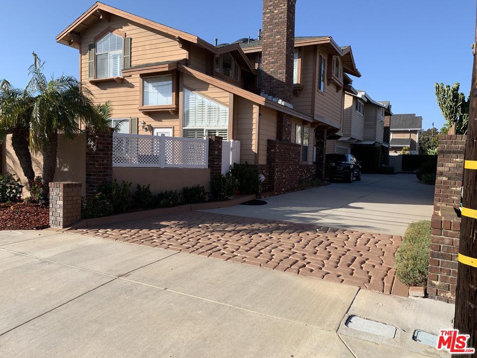 224 East 16th Street Costa Mesa, CA 92627