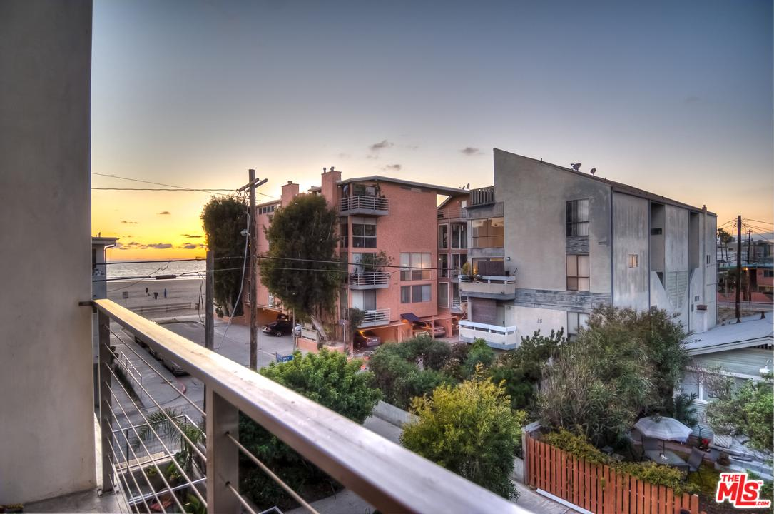 20 IRONSIDES Street, one of homes for sale in Marina Del Rey
