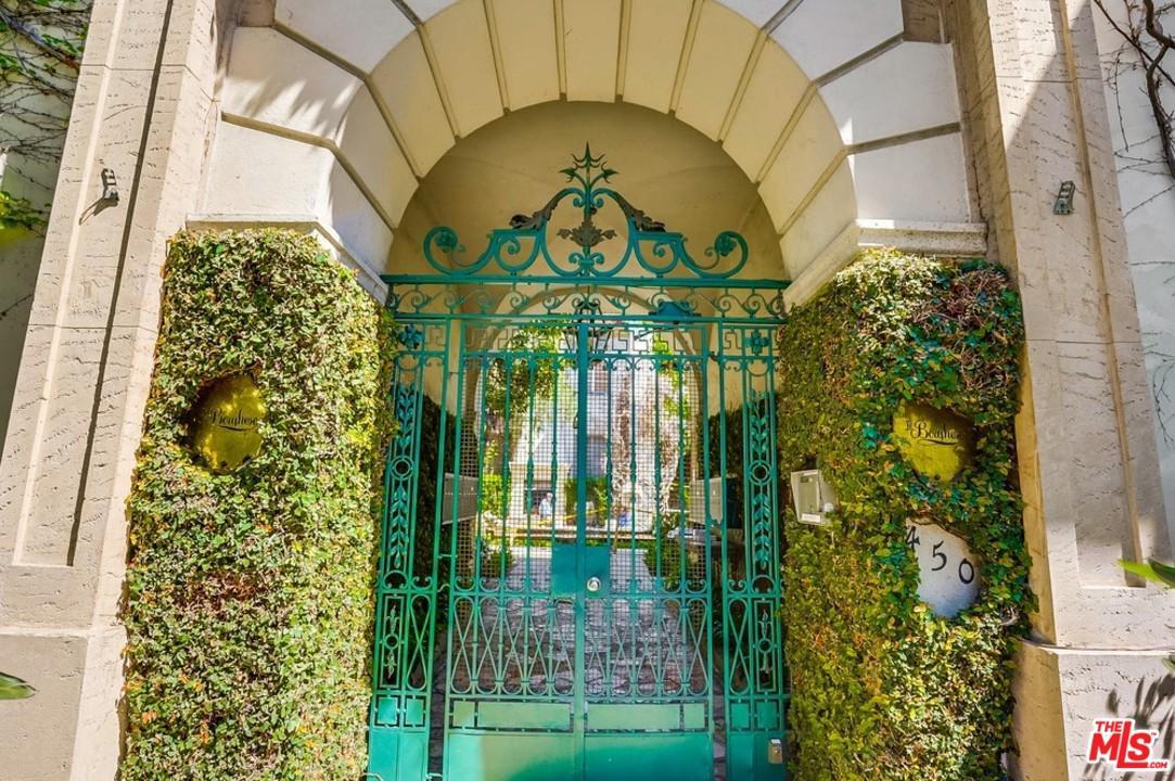 450 North Sycamore Avenue Los Angeles, CA 90036